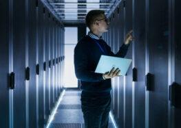 Mendix hebt die Software-Entwicklung mit der branchenweit ersten All-in-One-Low-Code-Plattform auf die nächste Stufe